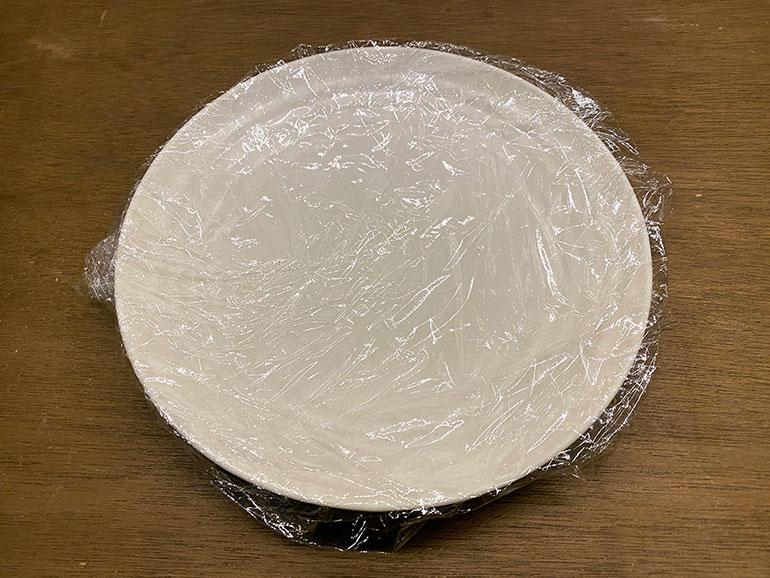 皿にラップ