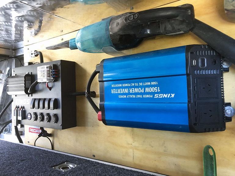 DC-DC走行充電器 設置