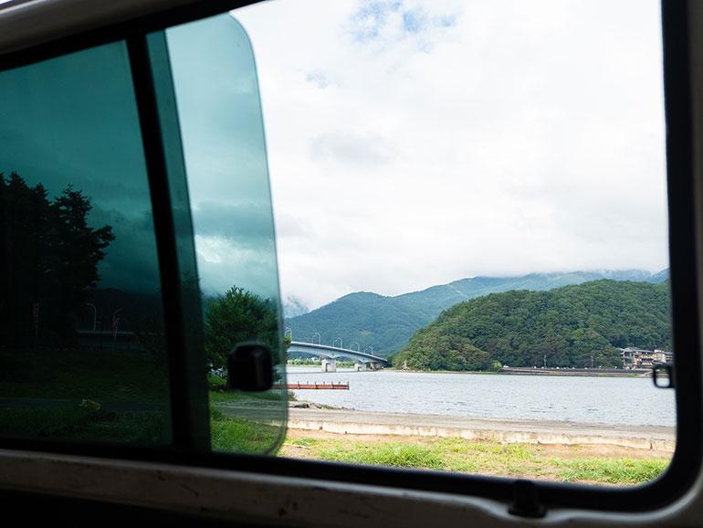 キャンピングカーから見た風景