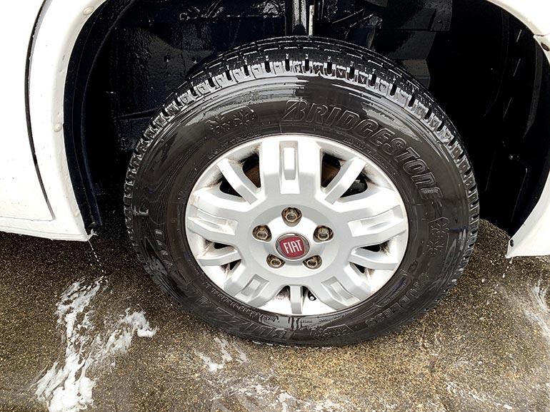 タイヤ洗浄後