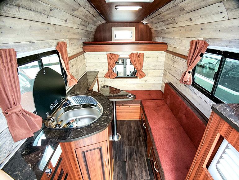 ミスティック J-cabin Mini Wの内装