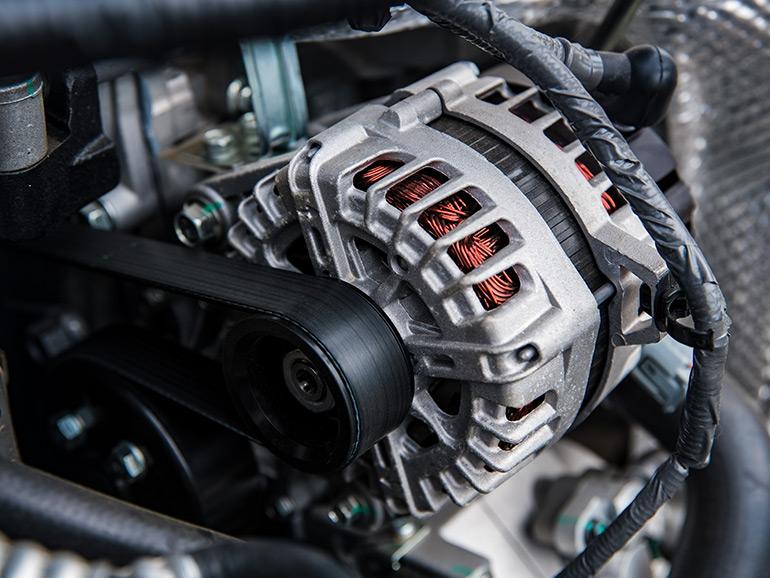 車のオルタネーター(発電機)