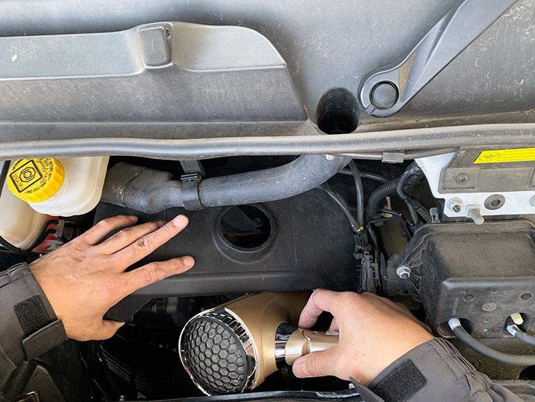 燃料配管の解氷作業
