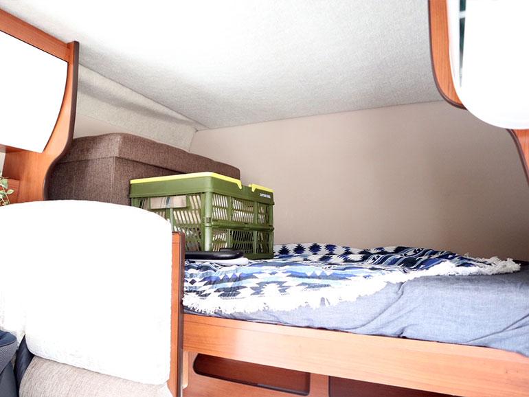 2段ベッド上部