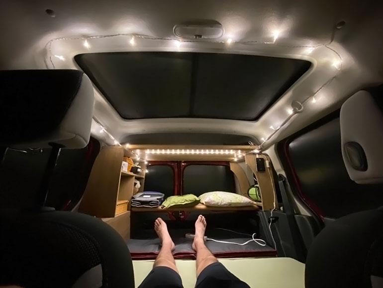 車中泊ライトアップ