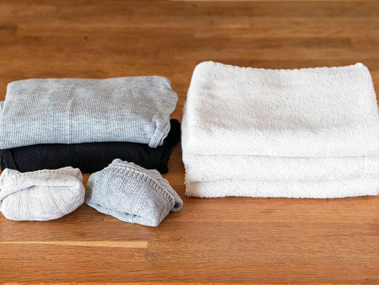 タオルと着替え