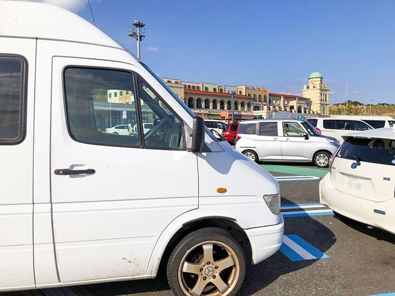 キャンピングカー 停車