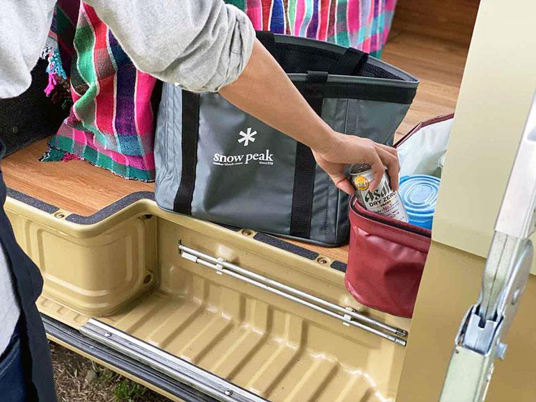 車 リアの荷物