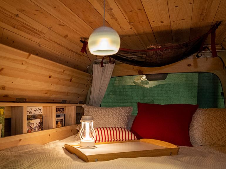 夜ベッド風景