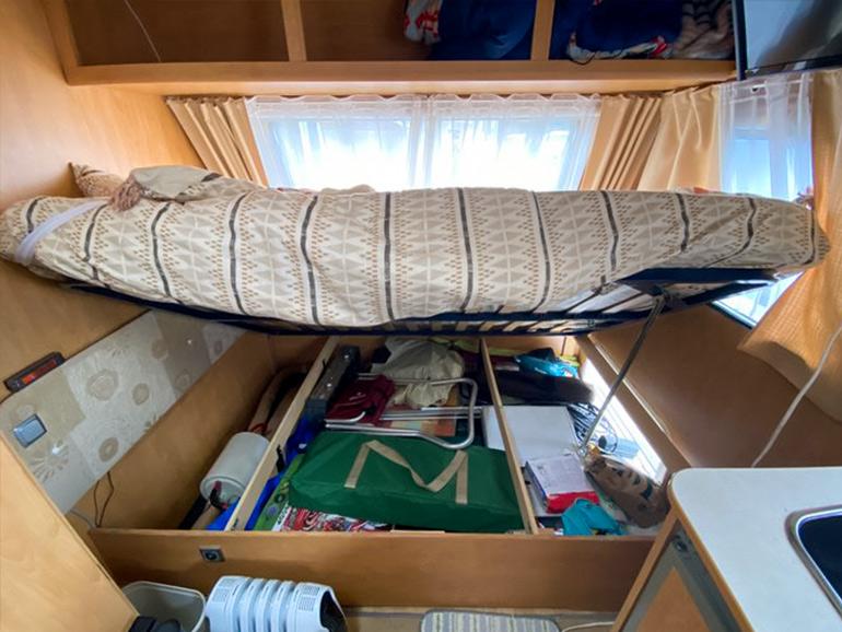 ベッド下の大容量の収納